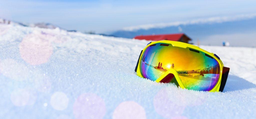 Masque-de-ski-neige-sous-le-soleil.