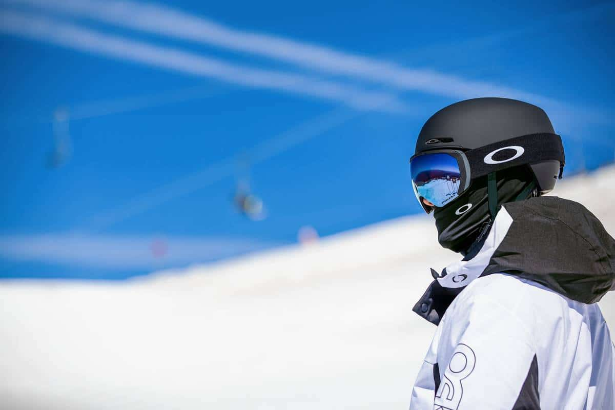 Les masques de ski Oakley sont compatibles avec les casques